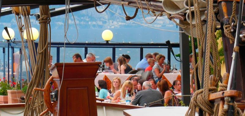 el entorno y la decoración se deben potenciar en las páginas web para restaurantes